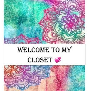 Welcome to My Closet! All Offers are Welcome💚🍀